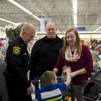 IU Southeast Police and student organizations help children in need during Shop with a Cop