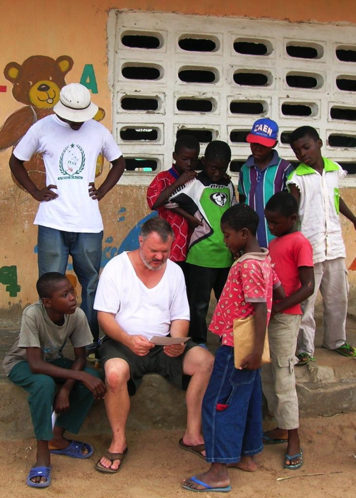 Dr. Peter Galvin, IU Southeast professor of geosciences, volunteering at the Liberian culture and art school at the Buduburam Refugee Camp.