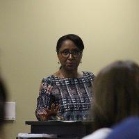 Dr. Gloria Murray addresses the graduate session.