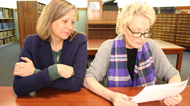 Dr. Kelly Ryan (l), professor of history and dean of the School of Social Sciences at IU Southeast, with actor Jean Smart at the Massachusetts Judicial Archives